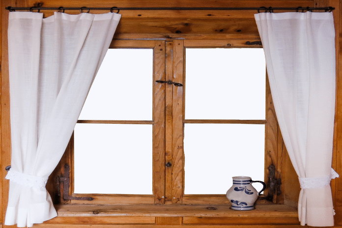 ake-su-vyhody-a-nevyhody-drevenych-okien