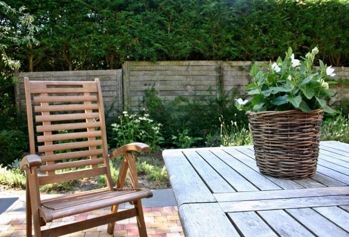 venujete-dostatocnu-pozornost-svojmu-zahradnemu-nabytku
