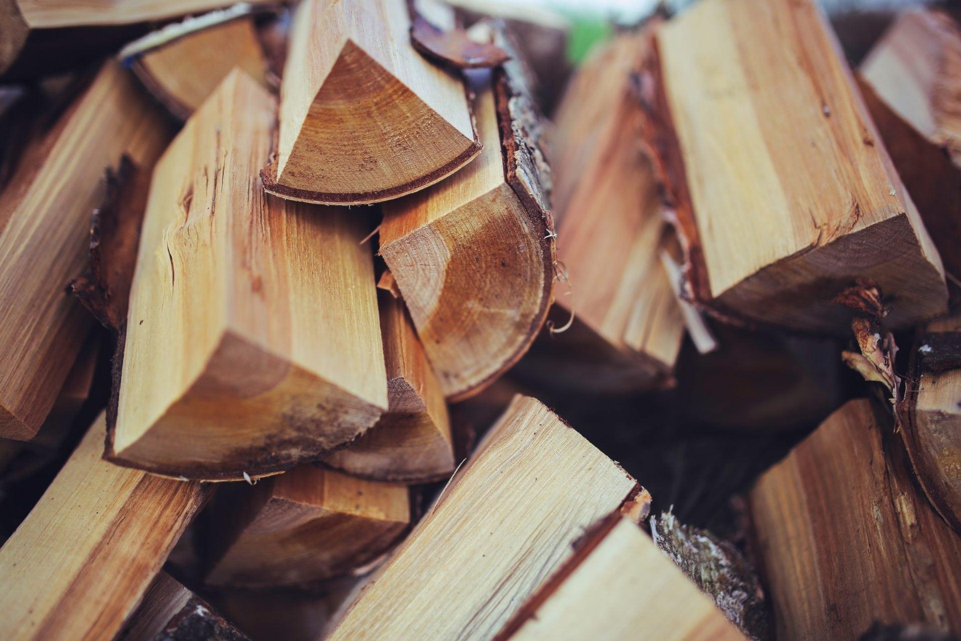 aki-skodcovia-si-robia-zalusk-na-drevo