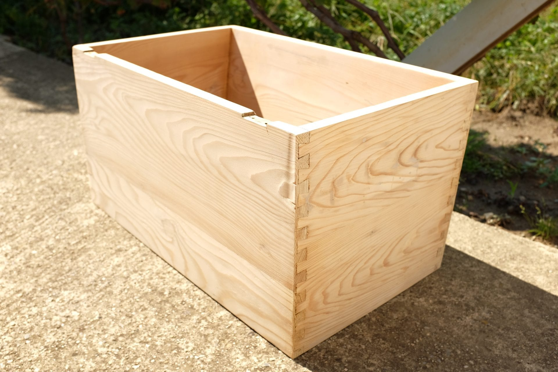 smirglovy-papier-uprava-dreva-hoblovanie-prirodzeny-vzhlad-dreva