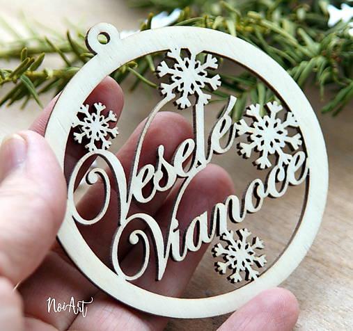 drevena-vianocna-ozdoba-vesele-vianoce-ihlicie-drevo-noiart