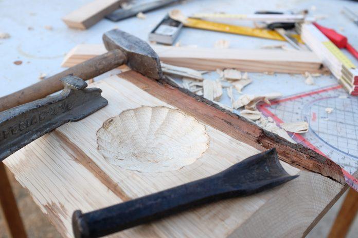 dlato-kladivo-drevo-meter-dielna