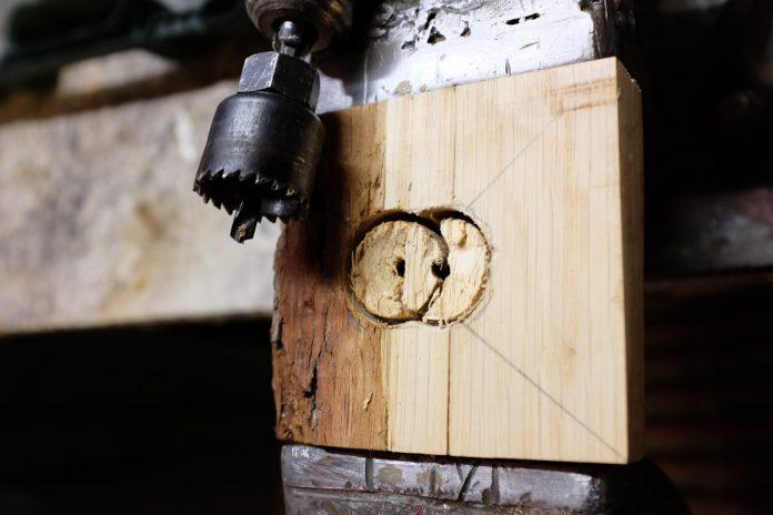 drevo-dielna-vyroba-krmidla-pre-vtaky