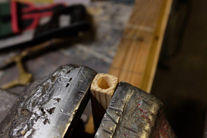 vrtak-drevena-tyc-dielna-diera-v-dreve