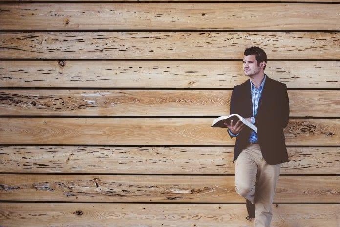 drevo-stena-zrub-drevodom-muz-kniha-casopis