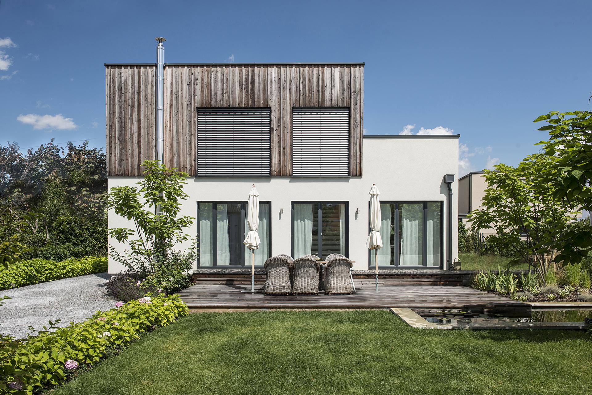 drevodom-drevostavba-zahrada-architektura-terasa-trend-slnecnik