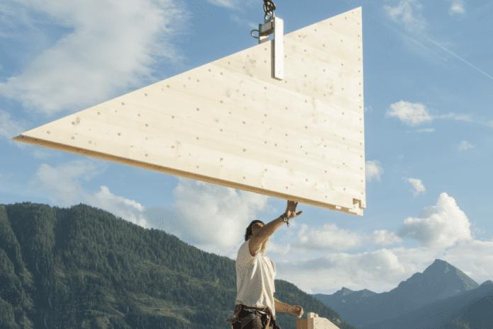 drevodom-drevostavba-stavebna-firma-hory-vyhlad-priroda-muz-stavbar