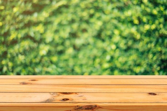 natieranie-stetec-ochranny-nater-laty-drevo-plot