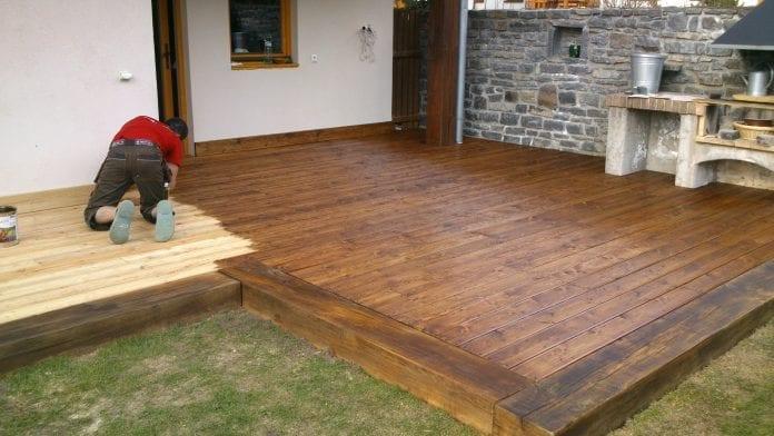 drevena-terasa-dom-dizajn-nater-lak-krb-okno-osetrenie-drevenej-podlahy