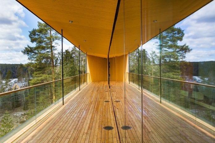 finsko-helsinky-priroda-drevostavba-roka-muzeum-prirody-okna-drevo-atrakcia-architektura