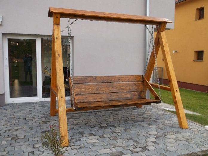 hojdacka-zahrada-terasa-dom-renovacia-novy-nater