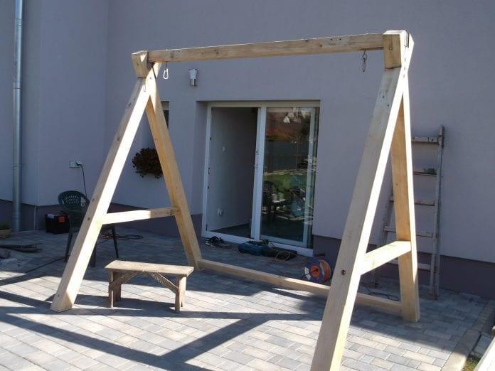renovacia-terasa-rebrik-dom-drevena-hojdacka-oprava-stolicka