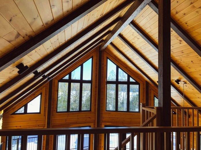 chata-drevodom-okna-moderna-architektura-interier-tatransky-profil-obklad