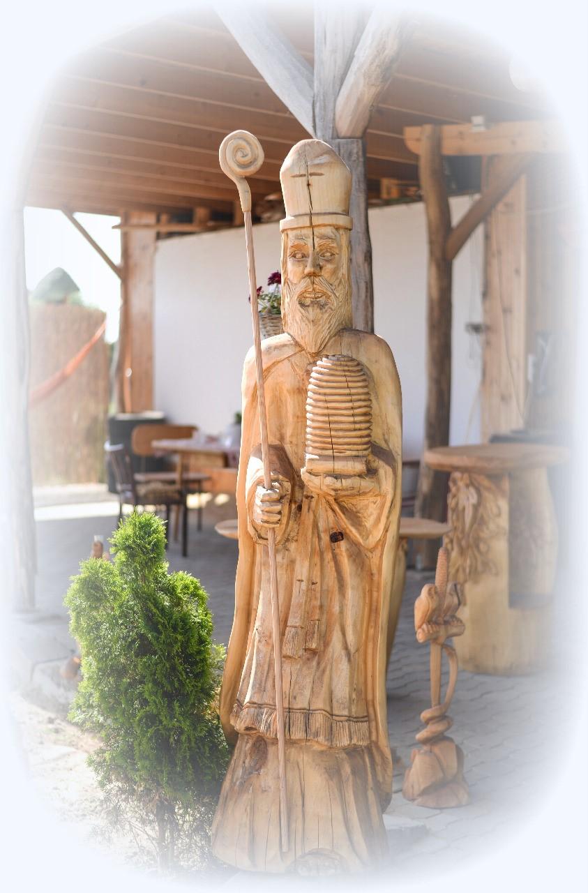 heczko-socha-svatec-rezbarstvo-drevo-vyroba
