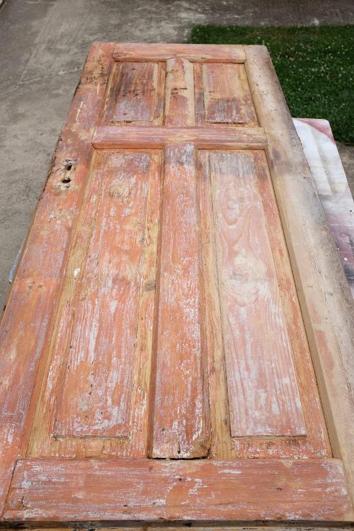 priprava-dveri-na-nater-osetrenie-drevo