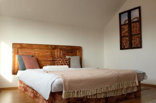 interier-handmade-dizajn-deka-postel-vankuse-deka