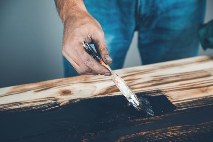 akrylové farby na drevo
