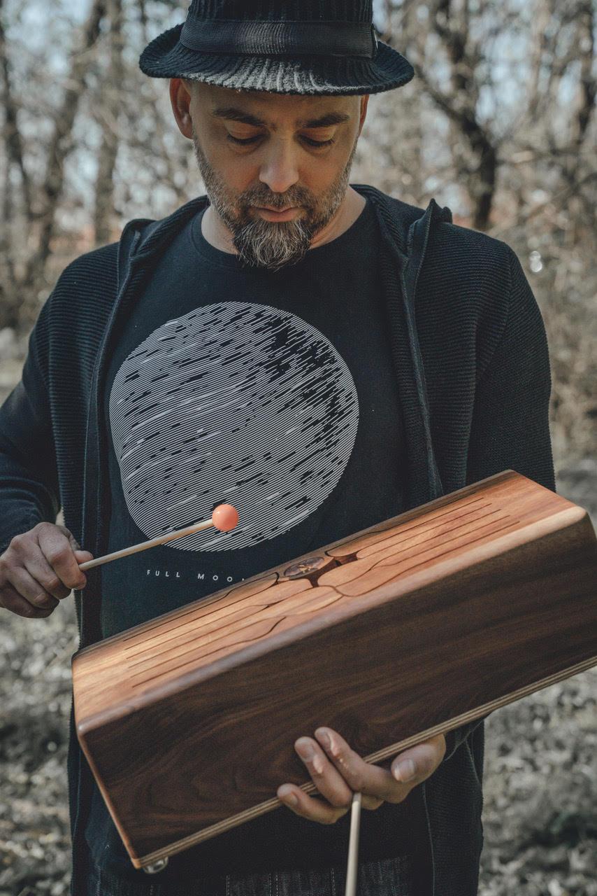 slovenský výrobca drevených hudobných nástrojov-Boris Čellár (1)