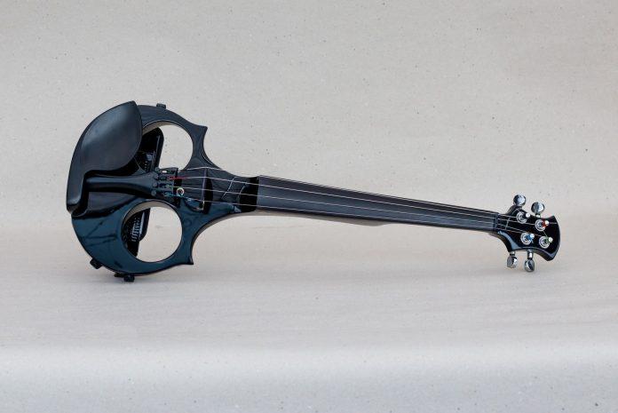 slovenský výrobca drevených hudobných nástrojov-Peter Raškovič (3)
