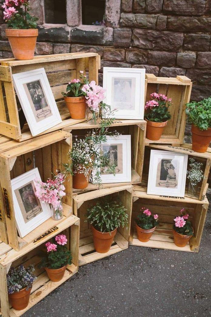 fotografie-drevene-bednicky-svadba-kvetinace-kvety