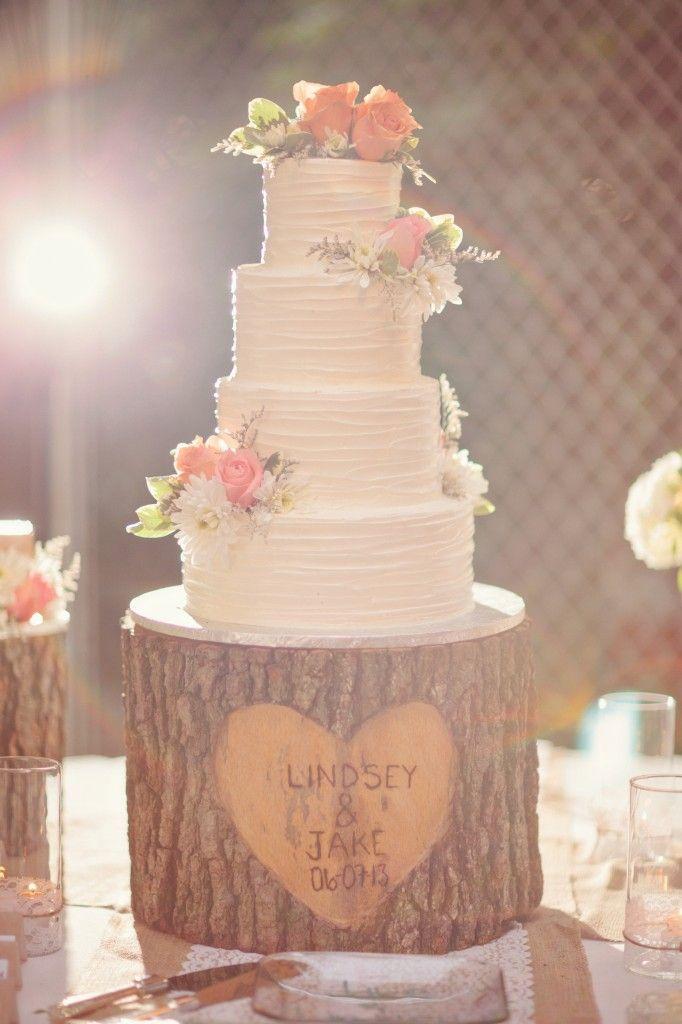 svadobna-torta-dreveny-pnik-svadba-kvety-kolac