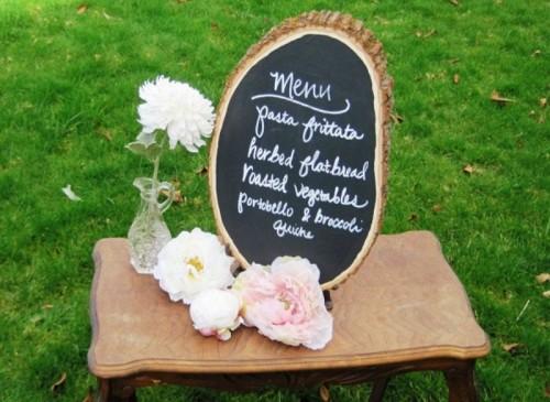 menu-dreveny-pen-kvety-vaza-stol-svadba