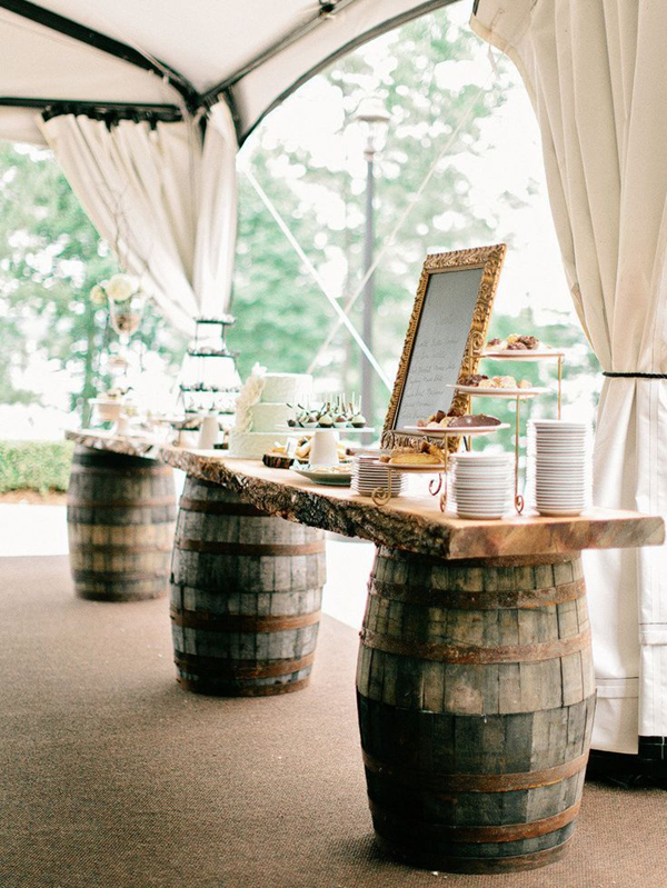 vinove-sudy-candybar-sladkosti-kolace-tanieriky-svadba-zavesy