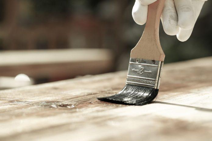 natieranie dreva penetračným prípravkom
