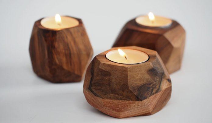 svietniky z orechového dreva
